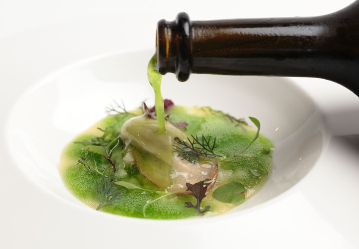 Modernist Cuisine Oyster with Parsley Champagne