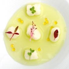 Kuzu gnocchi with pea water -sqr