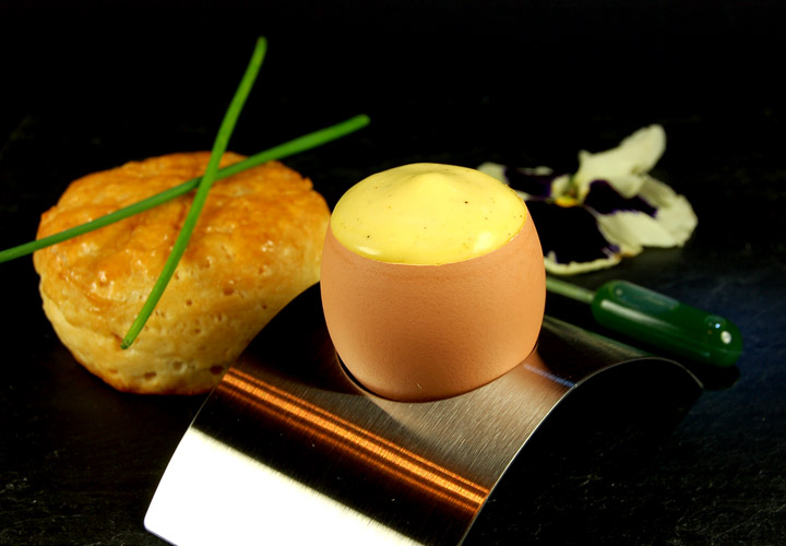 iSi Gourmet Whip: Egg Foam with Chive Infusion 720