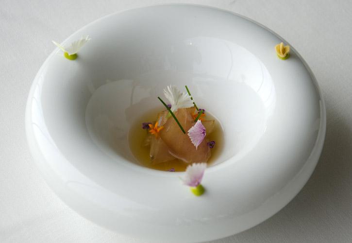 eneko-atxa-blue-fish