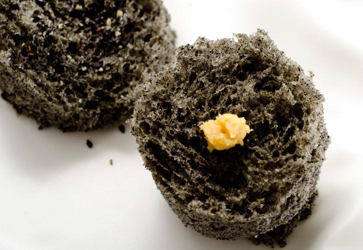 Sesame Microwave Sponge Cake -2