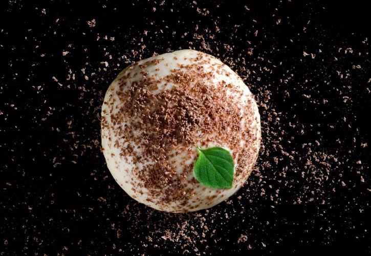 Caramel cream with iota carrageenan and kappa carrageenan top view