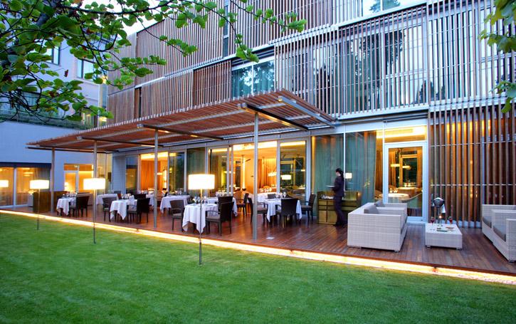 ABaC Restaurant Barcelona by Chef Jordi Cruz -garden