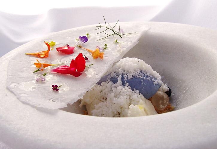 Violet ice cream yogurt frost by Chef Jordi Cruz