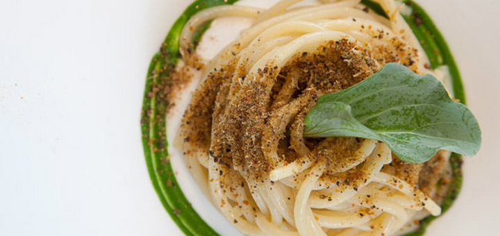Spaghetti with dehydrated oyster