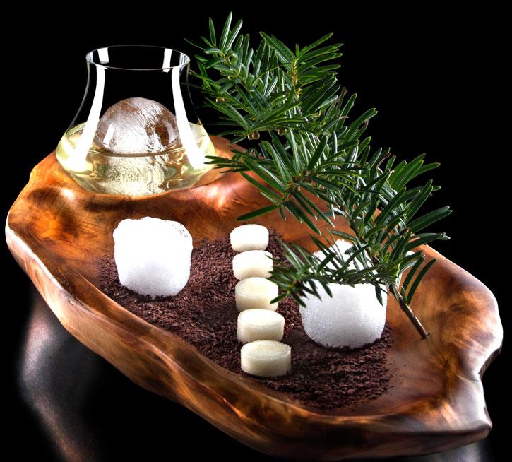 The cedar molecular mixology cocktail