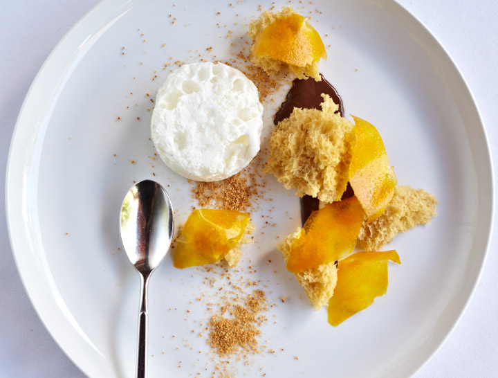 Sucrose ester cream bubbles in  Praline Sponge Cake, Cocoa Yogurt, Cream Bubbles, Mango Petals