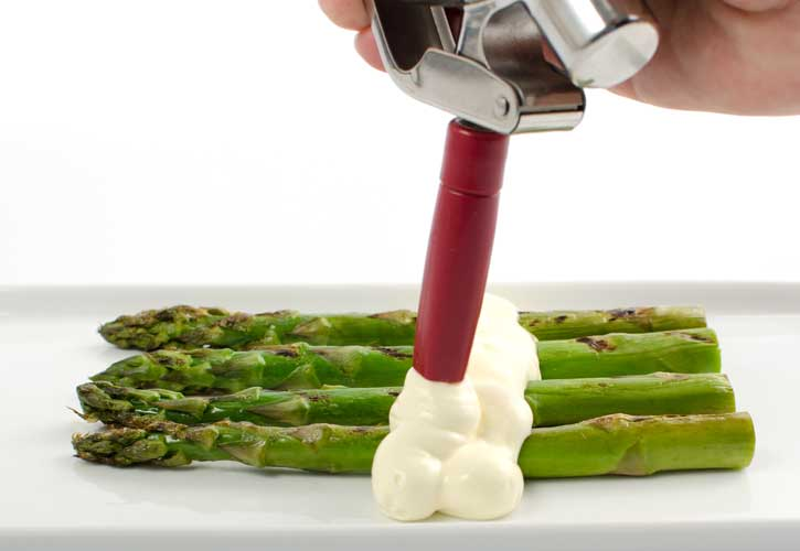 hollandaise-sous-vide-serving-725