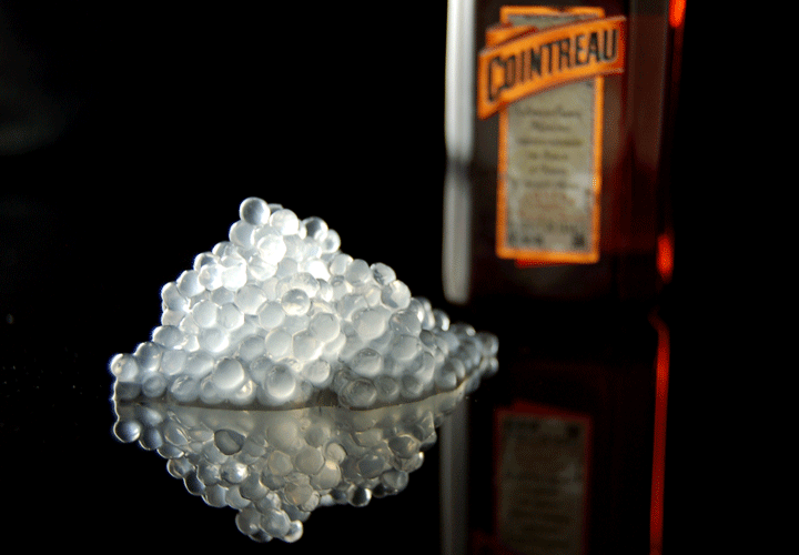 Molecular Mixology Spherification Cointreau caviar -720
